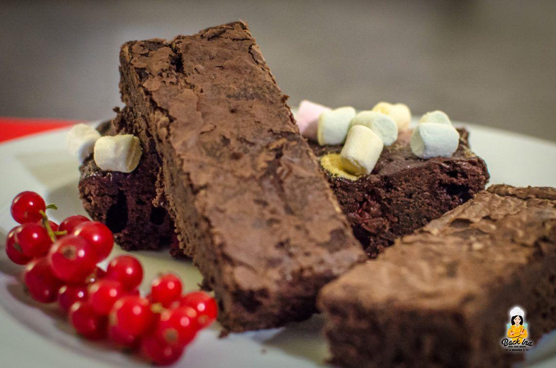 Chocoholic! (Minz-Brownies und Marshmallow-Brownies mit Johannisbeeren/optional Laktosefrei)