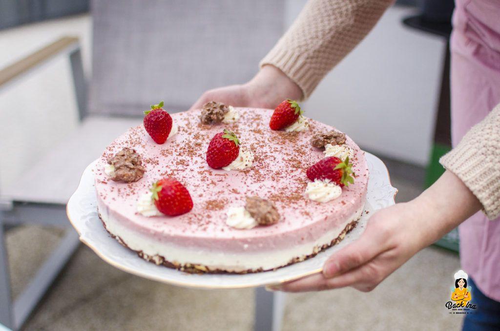 Erdbeeren, Joghurt und Schokolade in einem leckeren Dessert