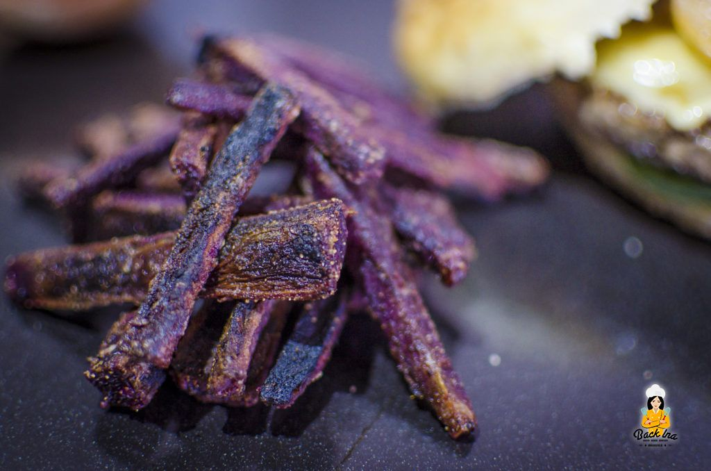 Knusprige Süßkartoffel Pommes aus lila Süßkartoffeln
