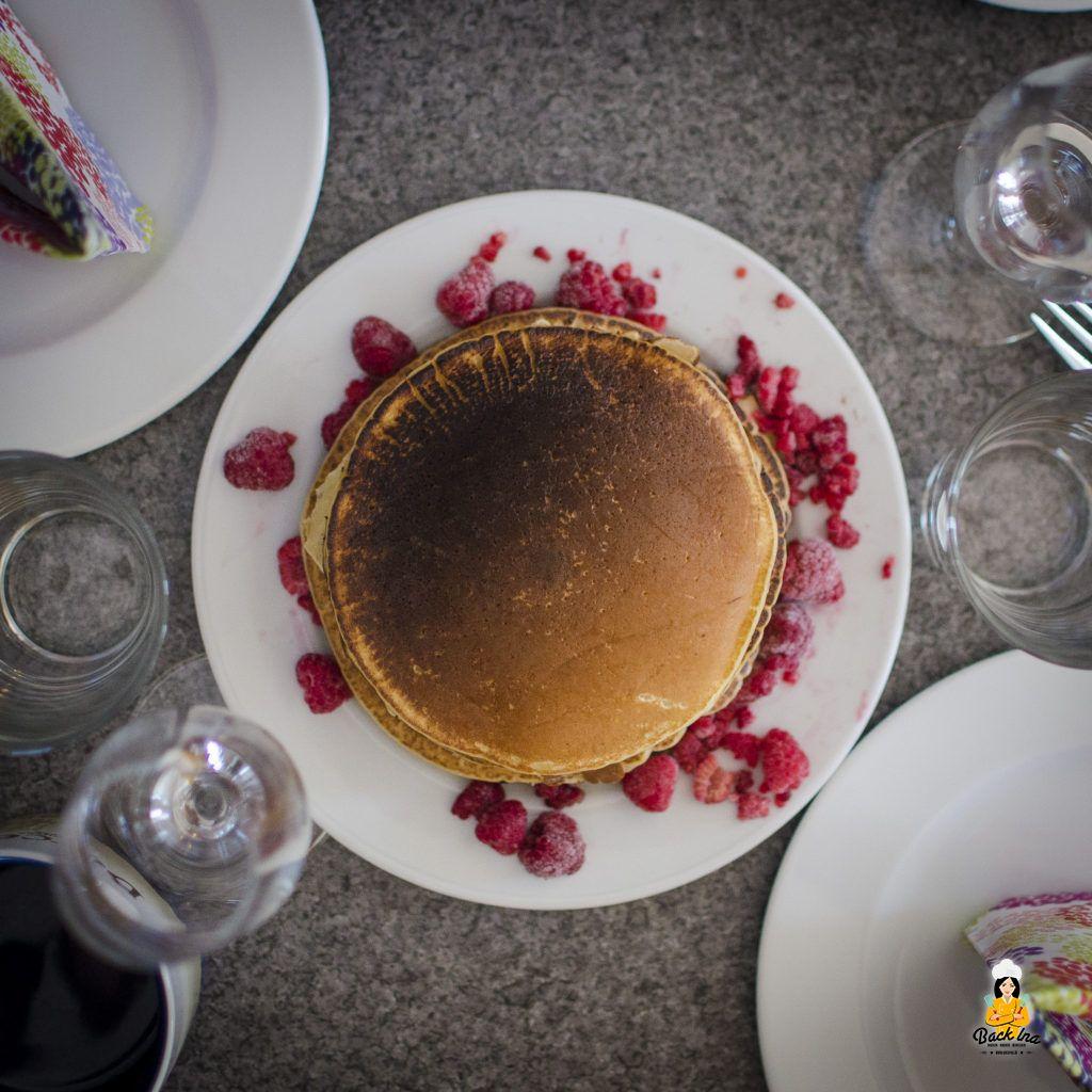 Frühstück mit Buttermilch Pancakes