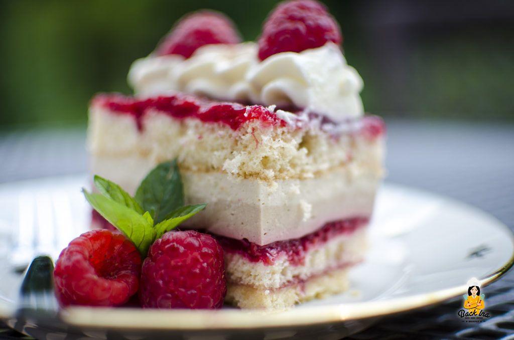 Sommerlich frische Torte: Himbeer Cappuccino Schnitten