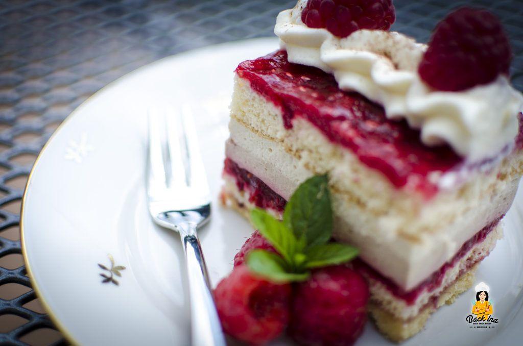 Himbeeren und Kaffee in einer Torte vereint: Himbeer Cappuccino Schnitten