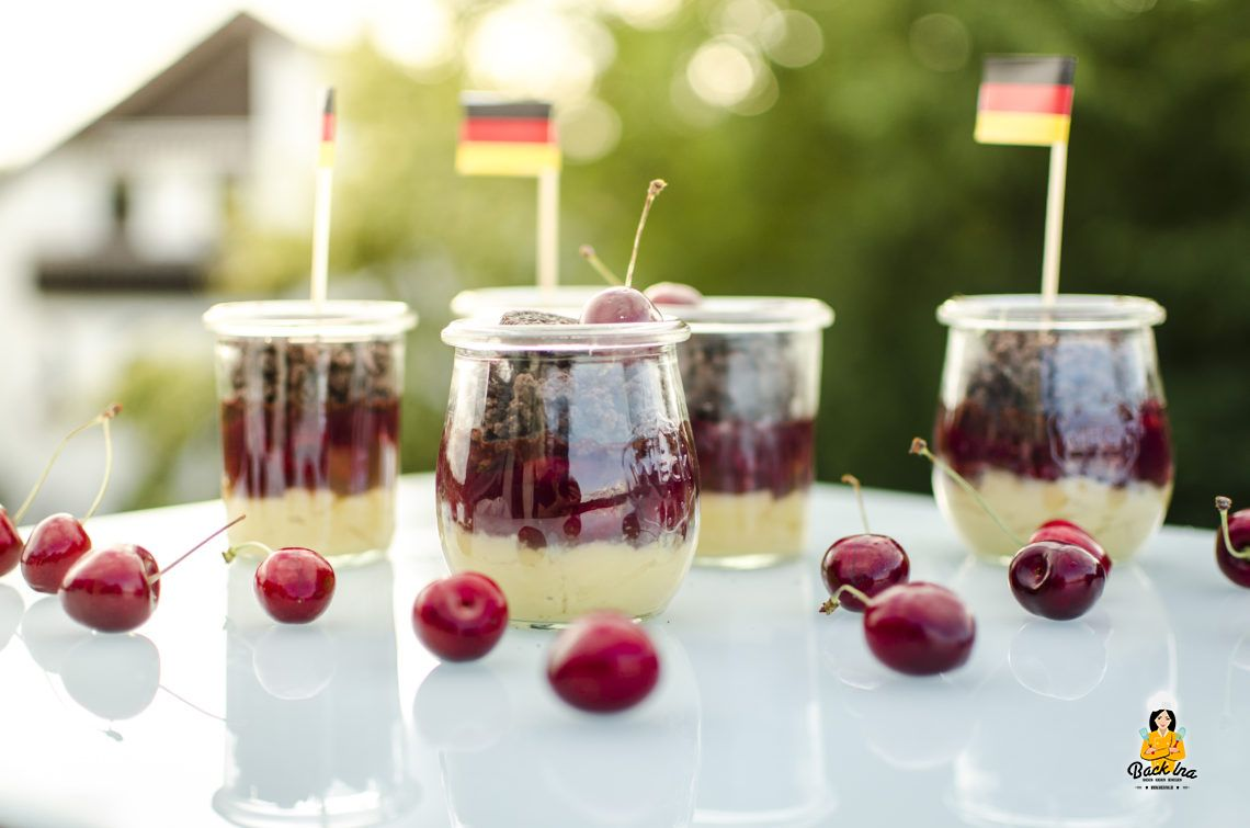 Sommer Dessert zur EM: Schoko Kirsch Dessert im Glas