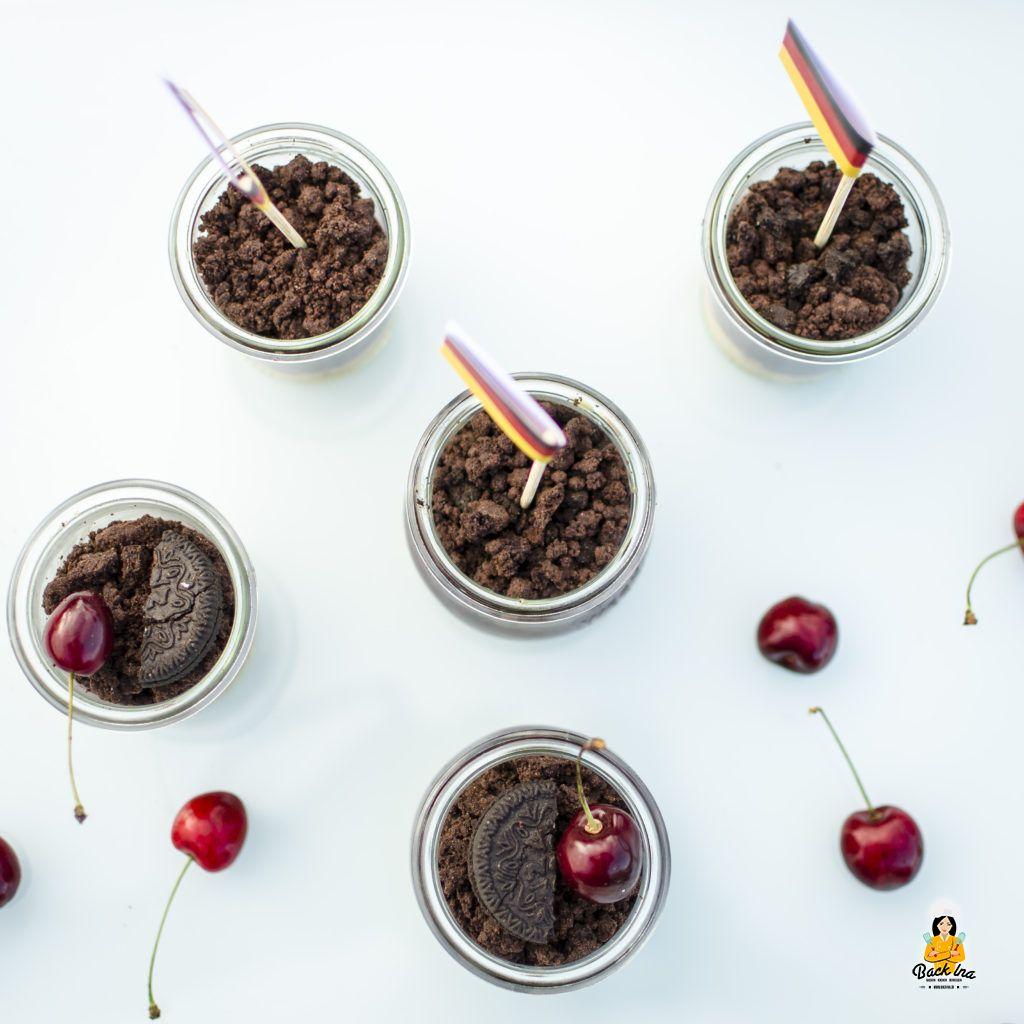 Schoko Kirsch Dessert im Glas: Ideal für die Grillparty oder zur EM bzw. WM