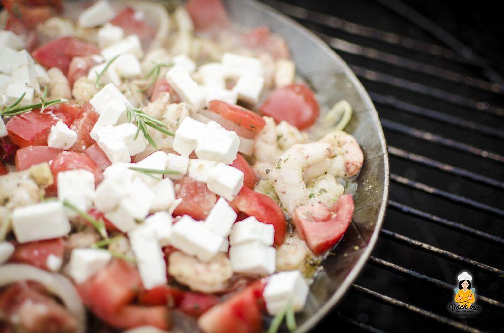 Garnelen-Pfanne nach griechischer Art vom Grill