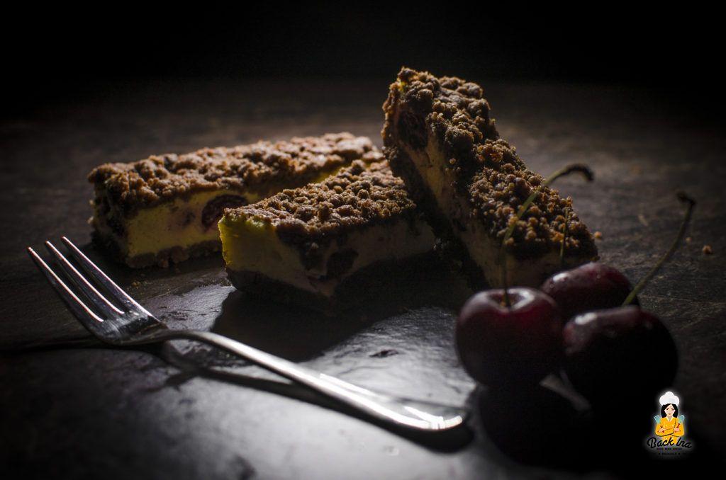Ein Kirschkuchen mit Schokostreuseln und Käsekuchen-Schicht: Lecker!