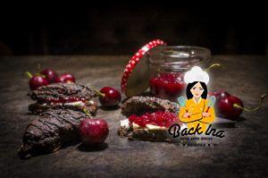 Schoko Scones mit selbstgemachter Kirschmarmelade zum Frühstück