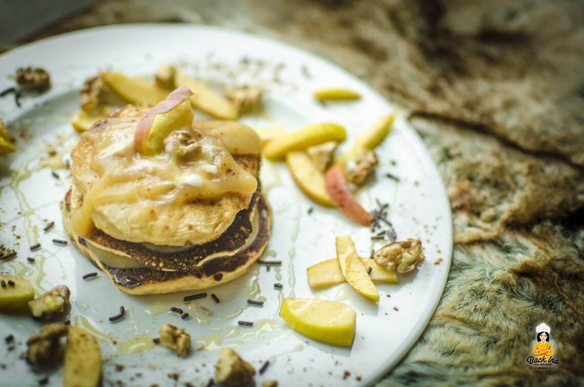 Best Breakfast Ever?! (Herbstliche Apfel Pancakes)