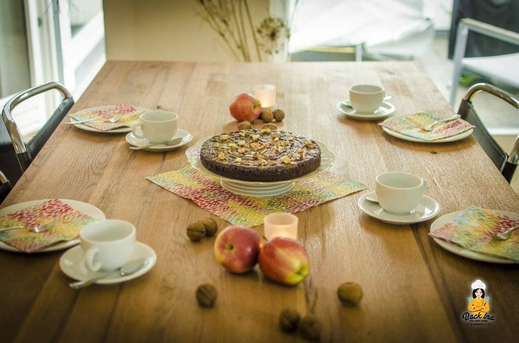 Herbstlicher Kaffeeklatsch: Upside Down Apfelkuchen mit Schokolade