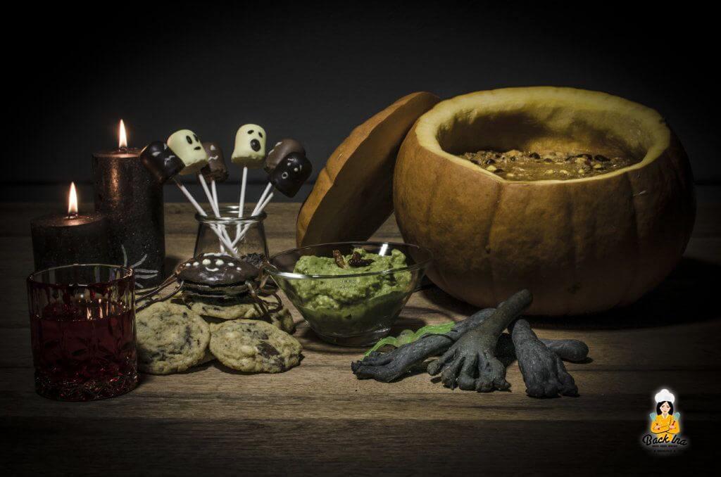 Gruseliges Halloween-Buffet mit Chili con Kürbis als Hauptgericht