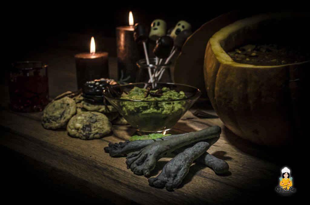 Gruselige Halloween Party mit Spinnen Cookies und Chili con Kürbis