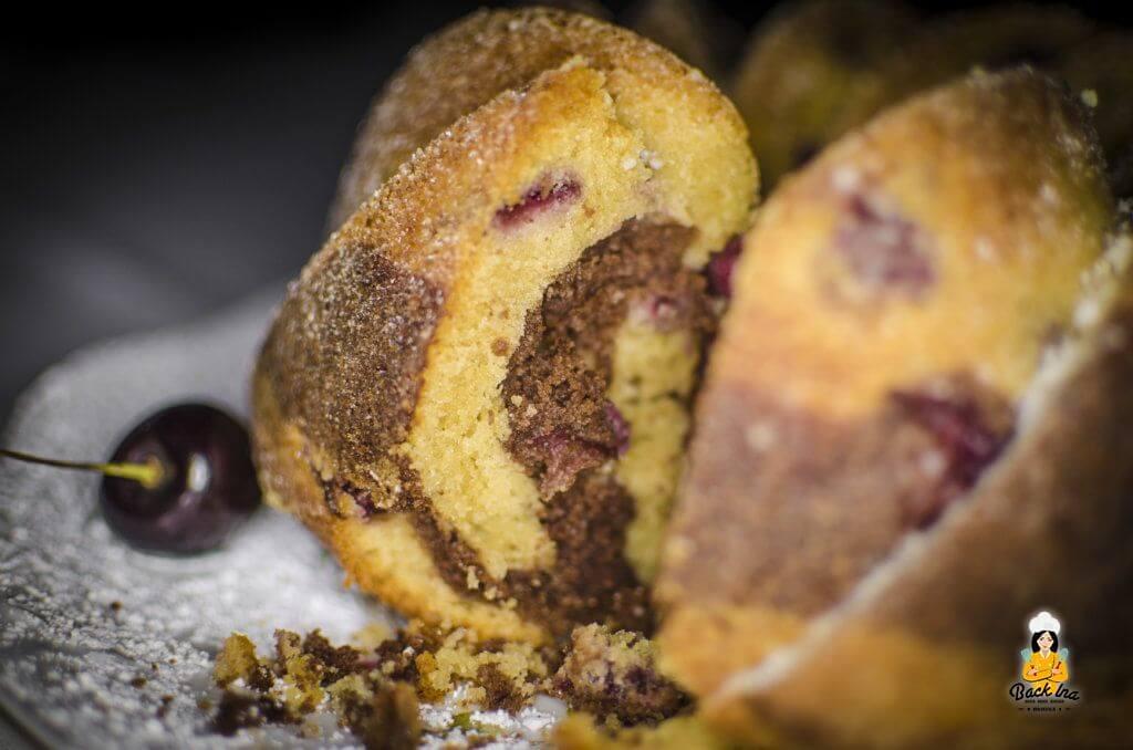 Nutella Marmorkuchen mit Kirschen im Anschnitt: Saftig und locker