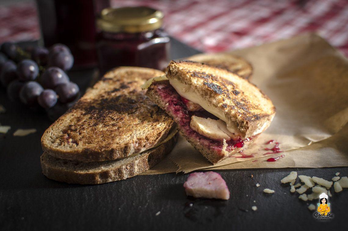 Herzhafter Herbst (Grilled Cheese Sandwich mit Traubenmarmelade)