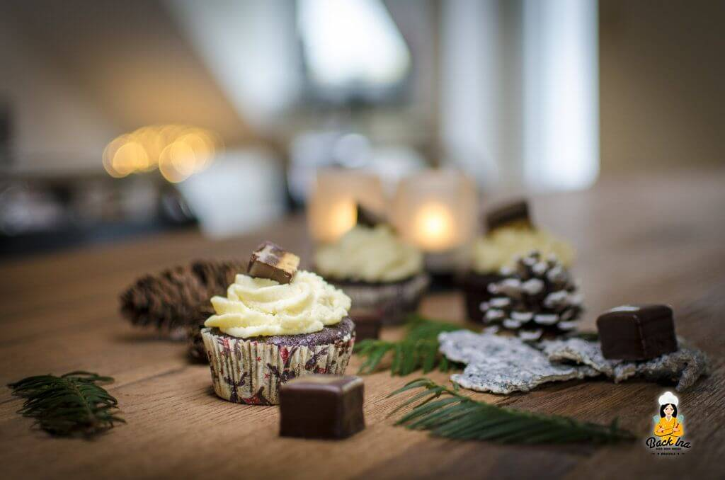 Adventskaffee mit Dominostein Cupcakes