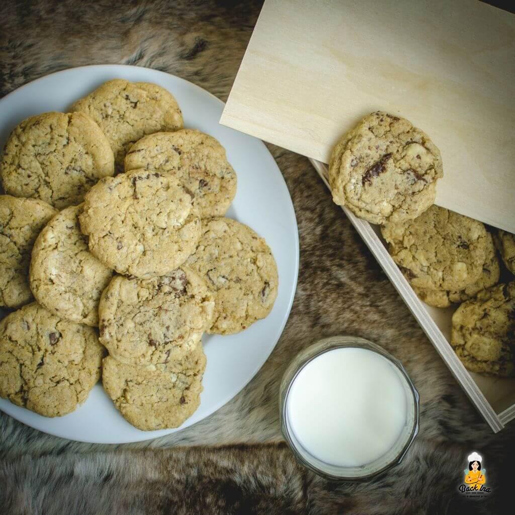 Knusprige crunchy Chocolate Chip Cookies mit Frischkäse und Puddingpulver