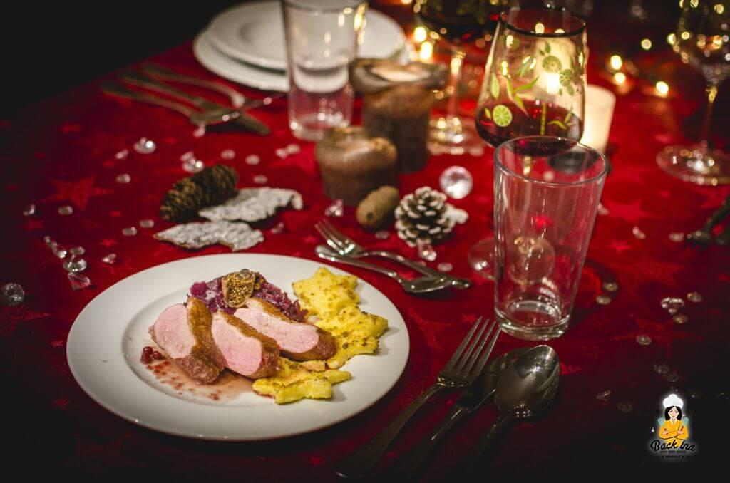 Entenbrust mit Feigen Cassis Sauce und Polenta Sternen zu Weihnachten