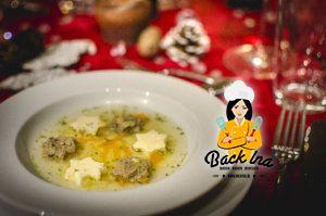 Fränkische Festtagssuppe zu Weihnachten mit Leberknödeln, Eierstich und Nudeln