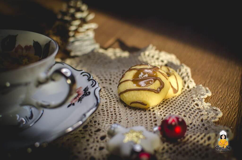 Twix Kekse mit Karamell, Shortbread und Schokolade als Weihnachtsplätzchen