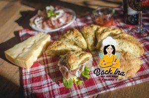 Herzhafter Snack: Käsescones mit Grana Padano und San Daniele Schinken