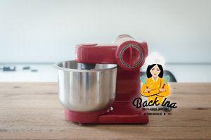 Die Bosch MUM48R1 ist eine solide Küchenmaschine für 100 Euro.