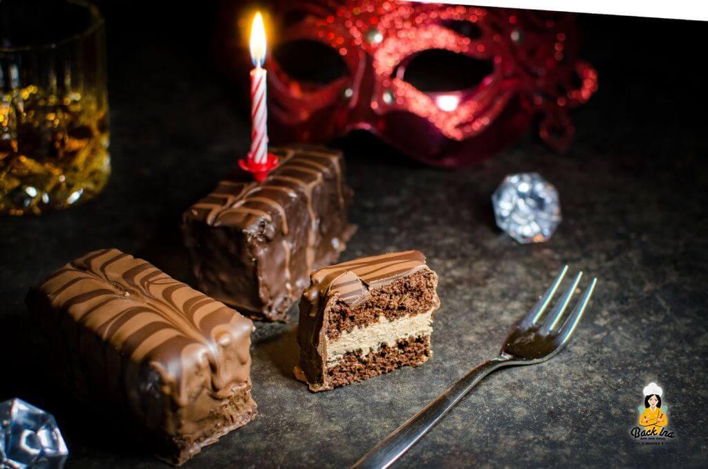 Selbstgemachte Yes Tortys in der Geschmacksrichtung Kakao: Lockerer Bisquit, Rum und Schokocreme vereinen sich zu einem perfekten Törtchen