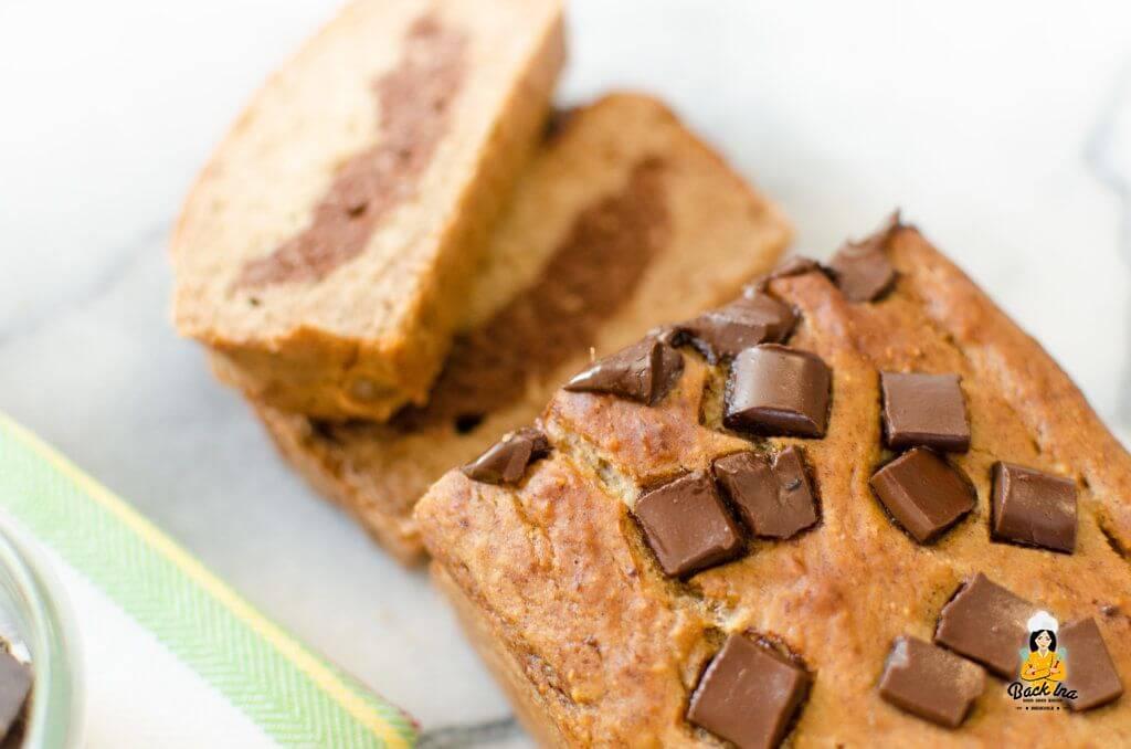 Zuckerfreies Bananenbrot mit Schoko-Swirl, ohne Fett und mit Dinkelmehl: So lecker kann ein gesunder Kuchen schmecken