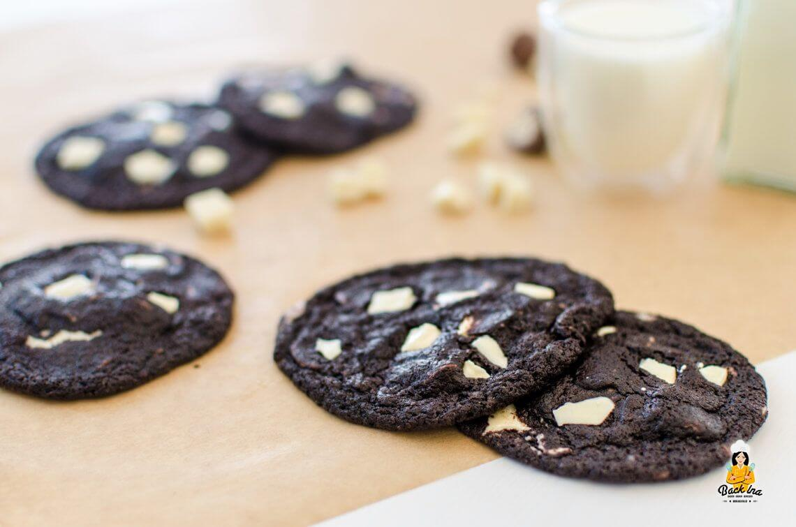 Black and White (Double Chocolate Cookies)