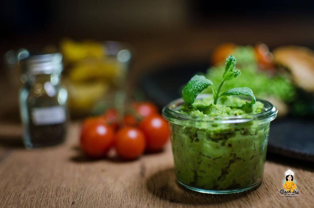 Erbsen-Minzcreme: Eine frühlingshafte Sauce für einen Burger oder zu gebratenem Fleisch