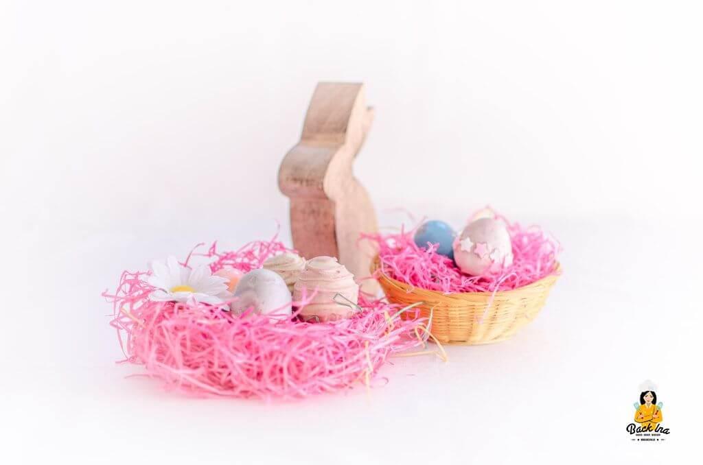 Niedlich: Rosa Ostereier Cakepops als kleines Geschenk für Mädchen im Osternest
