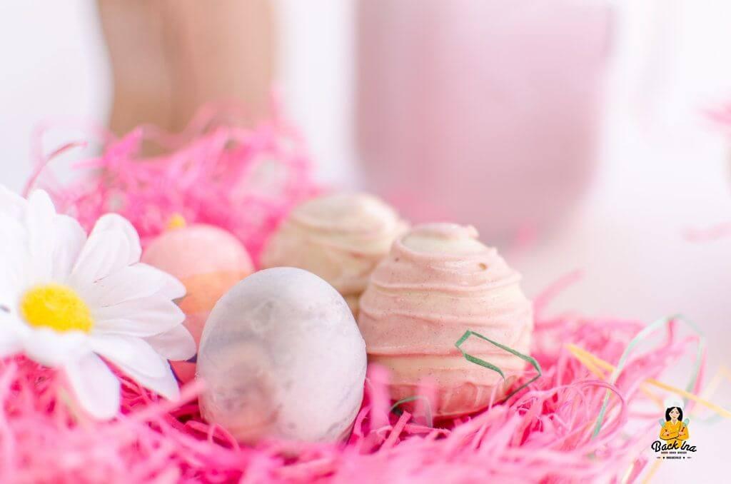 Niedliche Ostereier Cakepops in pastelligen Farben