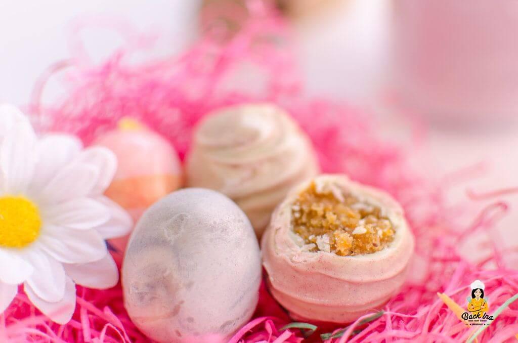 Cakepops in Form von Ostereiern im angesagten Marble Look mit Pastellfarben