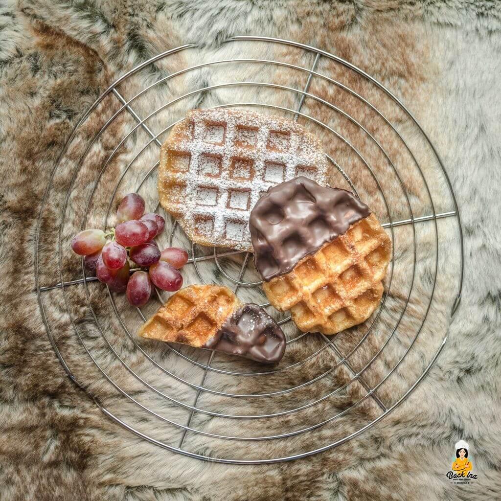 Belgische Waffeln mit einer knusprigen Zuckerkruste, auch bekannt als LÜtticher Waffeln