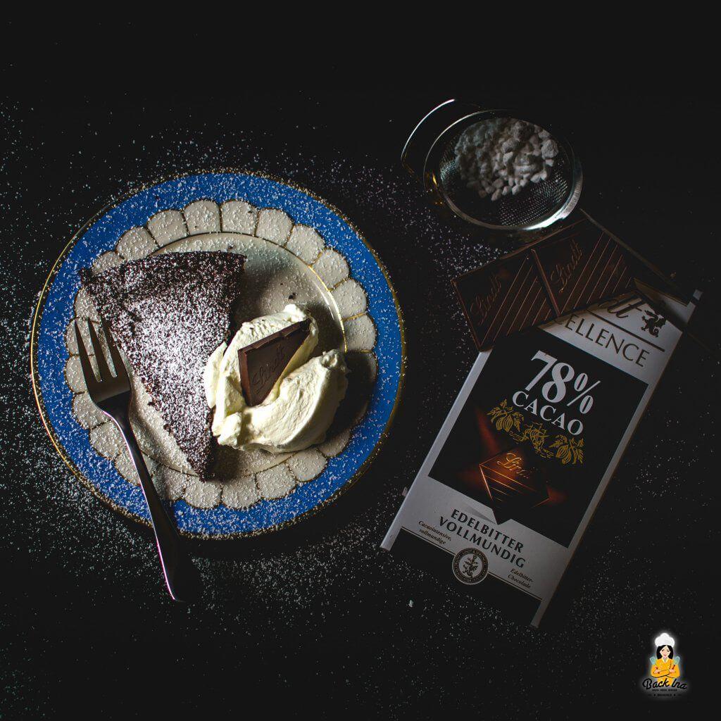 Saftige Schokotarte ohne Mehl: So aromatisch mit dunkler Schokolade