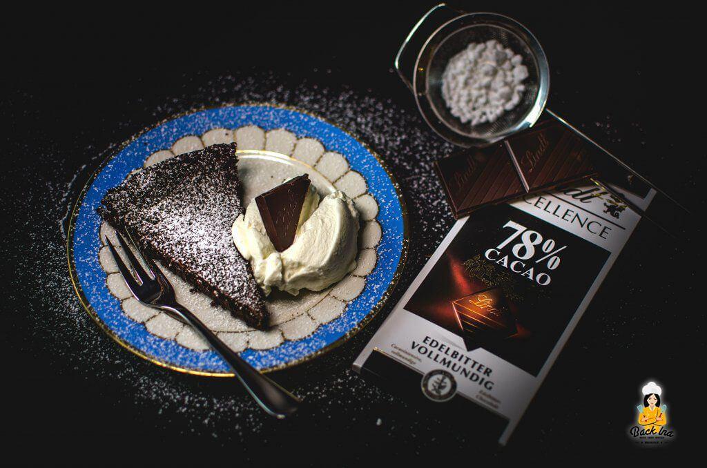 Dunkle Schokotarte als Dessert: Lecker, vollmundig und edel!