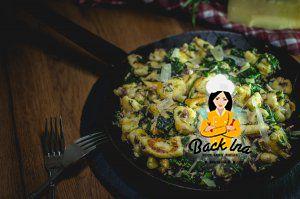 Selbstgemachte Gnocchi mit Spinat und Thunfisch: Leckeres Abendessen mit Gnocchi
