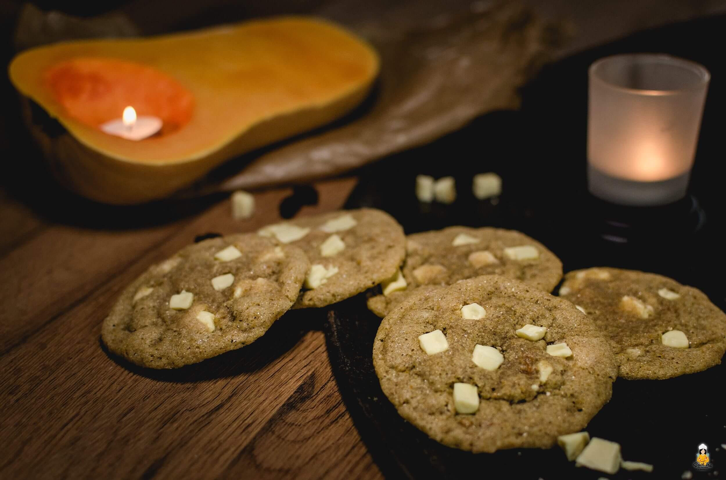Saftige Kürbis Cookies - Pumpkin Chocolate Chip Cookies | BackIna.de
