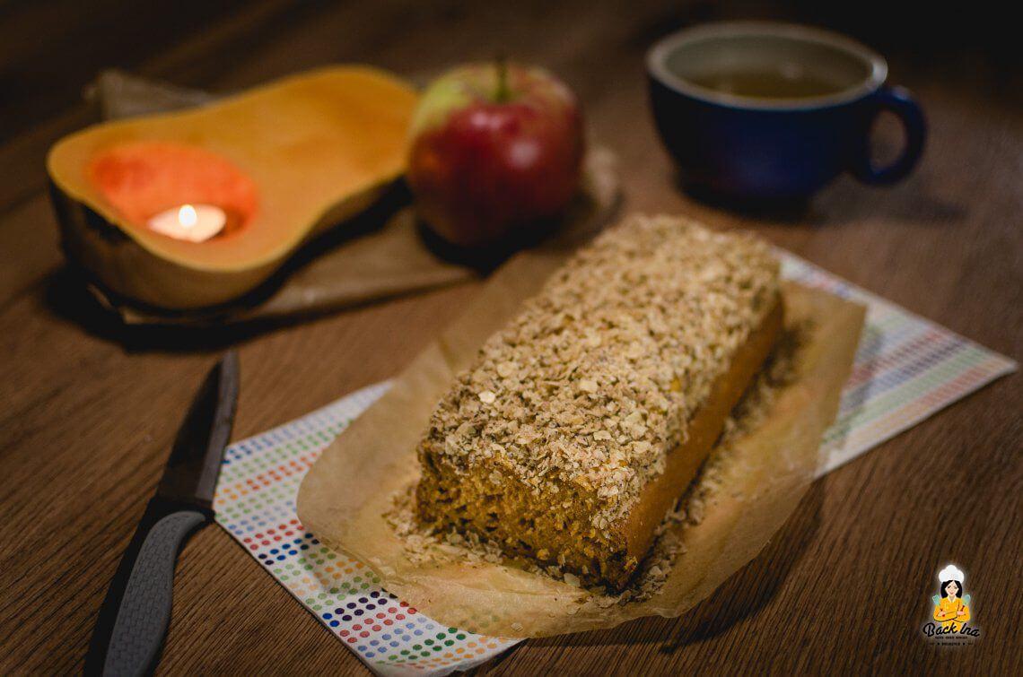 Fettarmer, zuckerfreier Kürbiskuchen mit Knusperstreuseln (Werbung)