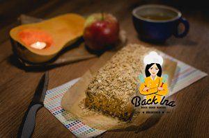 Fettarm, zuckerfrei und optional vegan: Kürbisbrot mit Knusperstreuseln