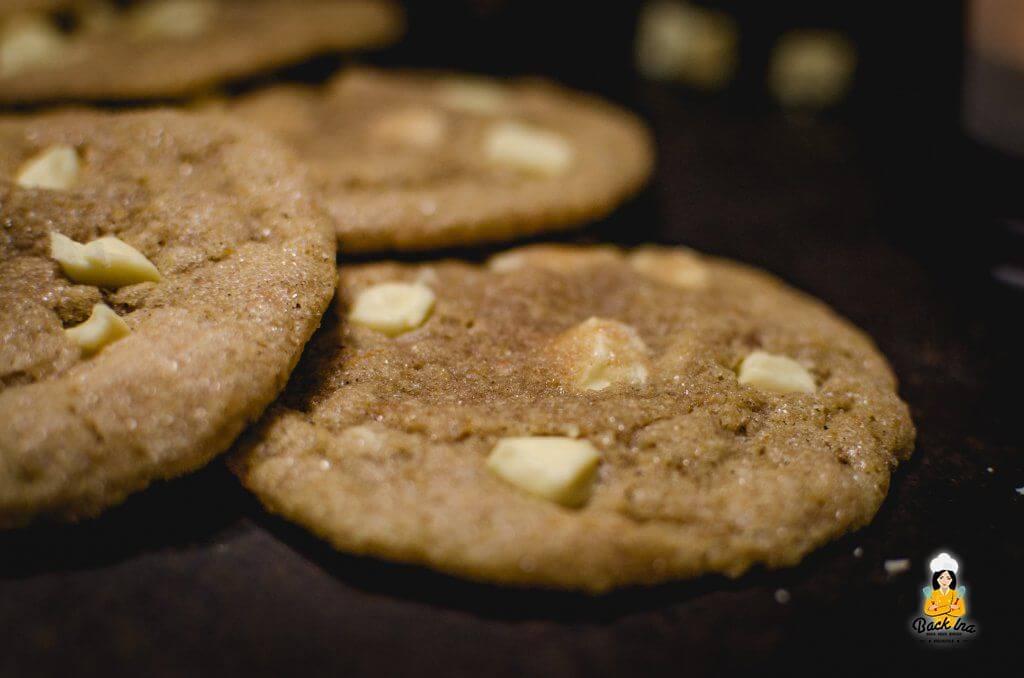 Pumpkin Cookies oder Kürbis Cookies: Chewy Cookies mit weißer Schokolade, Gewürzen und Kürbis - einfach unwiderstehlich!