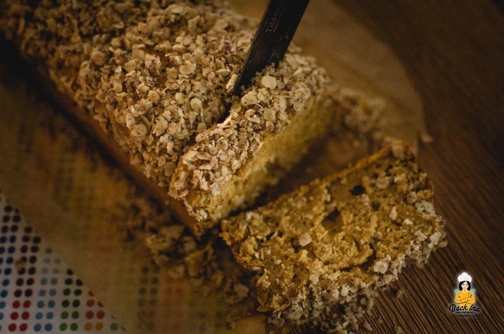 Gesundes Kürbisbrot - Kürbiskuchen ohne Zucker und Fett mit Knusperstreuseln