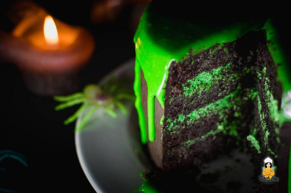 Giftig grüne Halloween Torte: Drip Cake zu Halloween als Schleim Torte