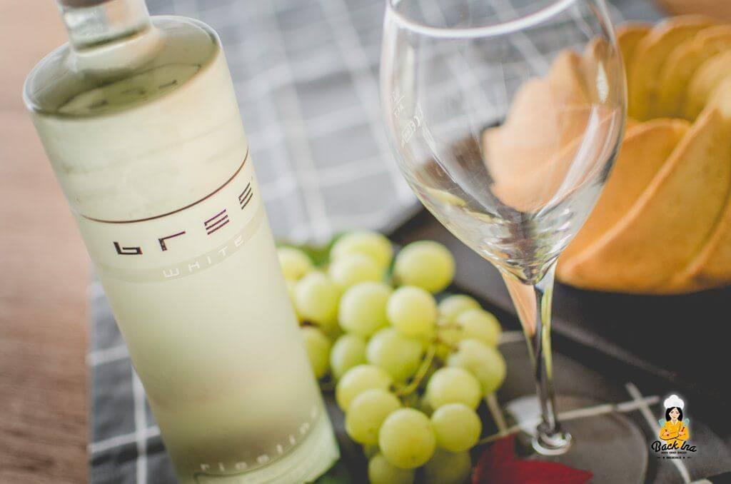 Saftiger Gugelhupf mit Riesling von Bree Wein