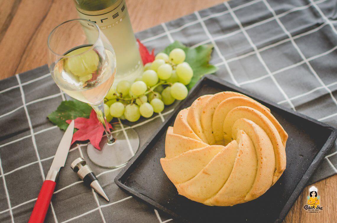Anzeige: Herbstlicher Weißwein Gugelhupf mit Bree Wein