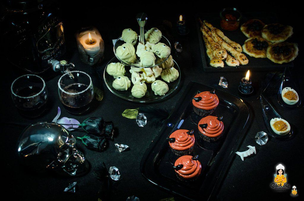 Glamouröse Halloween Party unter dem Motto Vampire mit Fingerfood