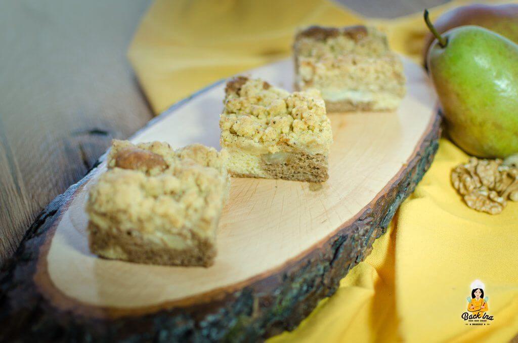 Birnenkuchen mit Nussstreuseln - im Teig ist Lotus Biscoff Creme enthalten