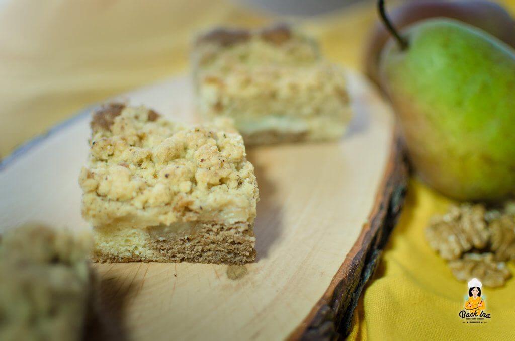 Birnenkuchen vom Blech: Marmor-Teig mit Biscoff und knusprige Nussstreusel zu Birnen