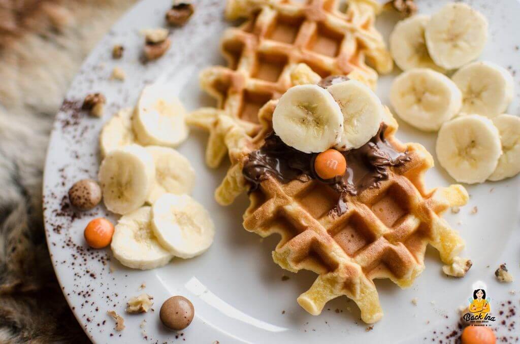 Waffeln ohne Butter: Kalorienreduzierte Waffeln mit Sauerrahm und Dinkelmehl