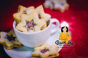Mandelnsterne - also Linzer Plätzchen In Sternform mit Mandelgeschmack