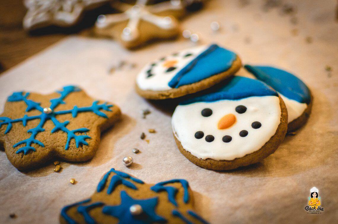 Frohe Weihnachten (Schneemann-Plätzchen mit Royal Icing)