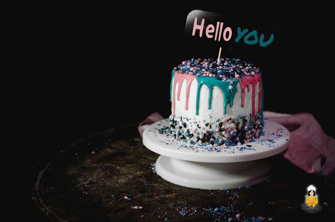 Anzeige: Geburtstagskuchen mit Sprinkles von Baking Time Club